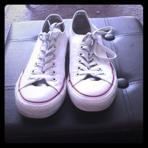 Women's size 7 converse shoes